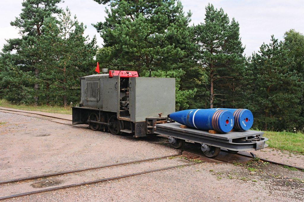 Lokomotiv og ammunisjonsvogn på Kristiansand Kanonmuseum
