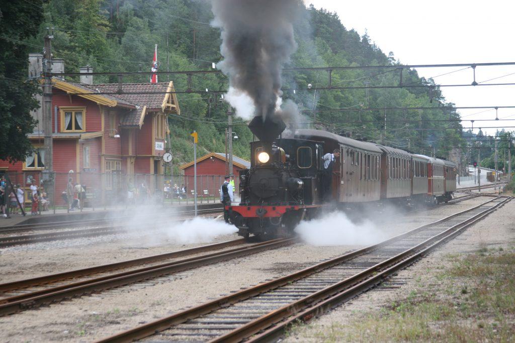 På Setesdalsbanen kan du kjøre over 100 år gamle lokomotiver | Foto: Eirik Remo