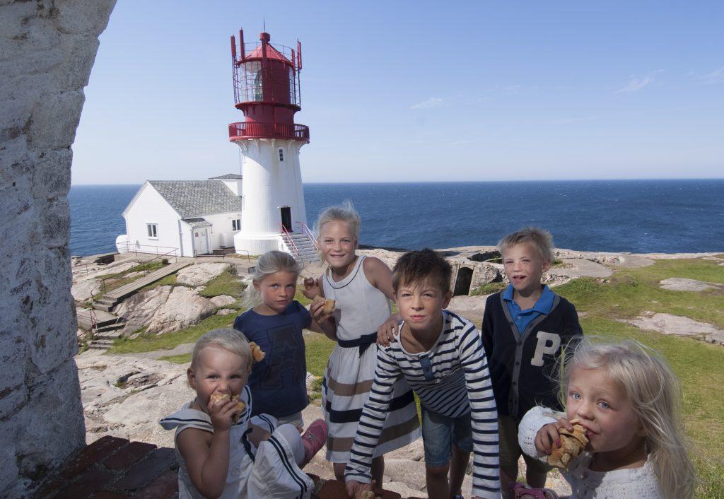 Ta med barna på Lindesnes fyr, Norges sydligste fastlandspunkt. | Foto: Peder Austrud©Visit Sørlandet
