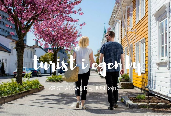 Turist i egen by Kristiansand.