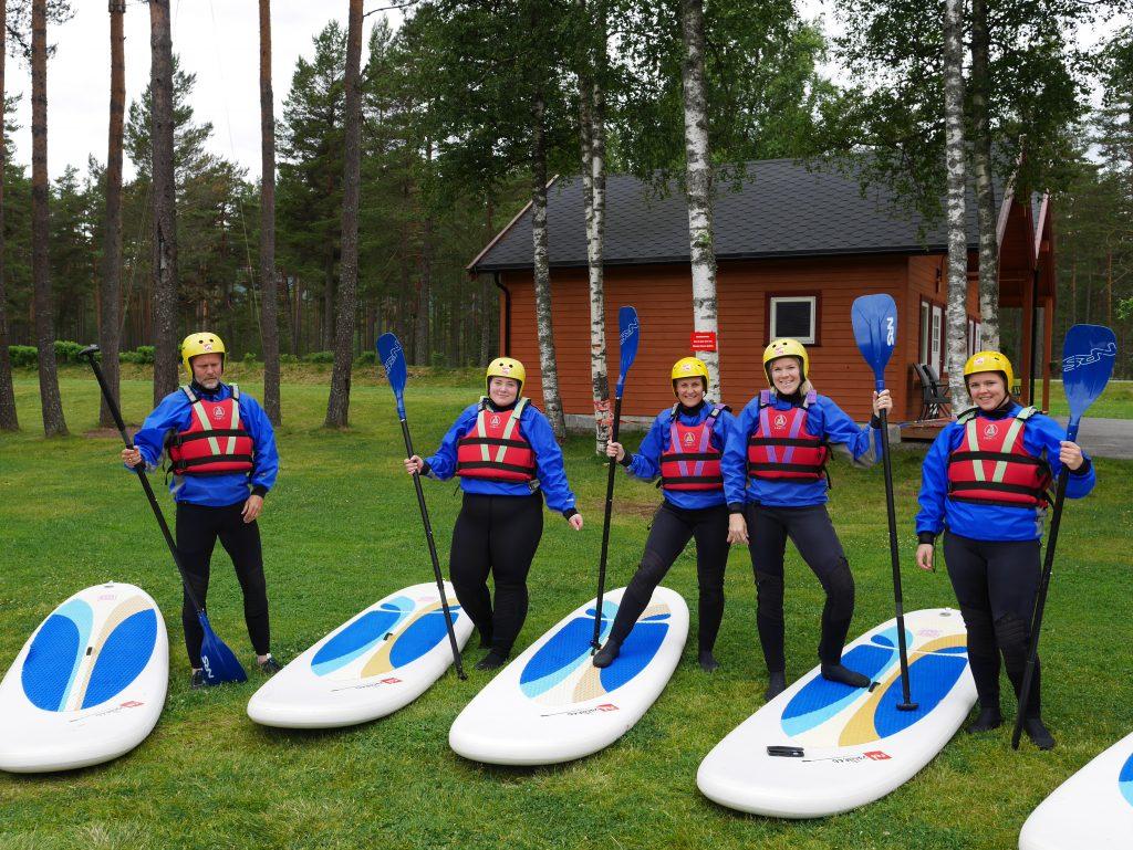 TrollAktiv gir god opplæring før du skal forsøke deg med SUP på elva. Foto: Visit Sørlandet