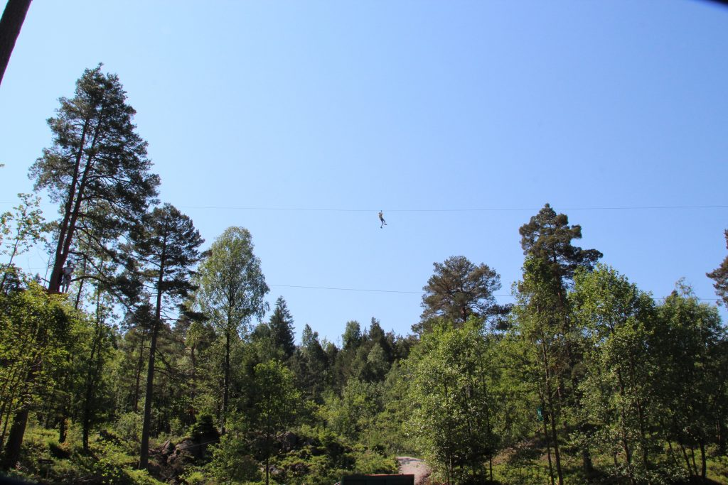 Utfordre deg selv med en klatretur i klatreparken Høyt&Lavt Kristiansand. Foto: Inger Hutchinson©Visit Sørlandet