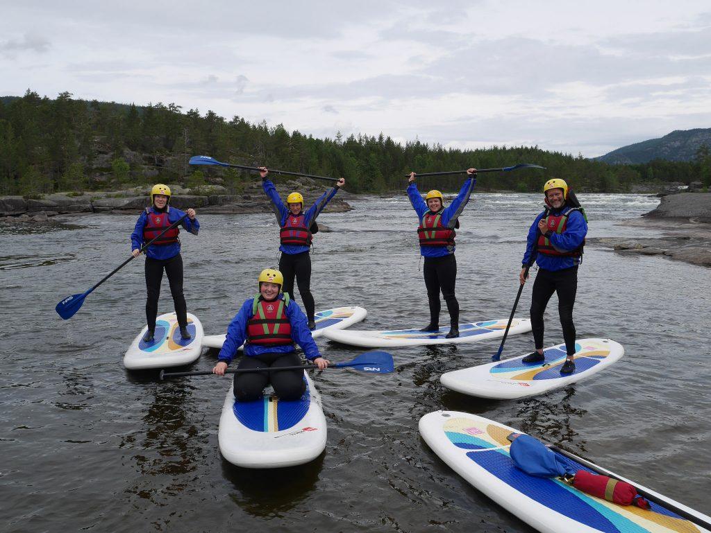 Forsøk SUP på TrollAktiv, du blir blaut uansett. Foto: Visit Sørlandet.