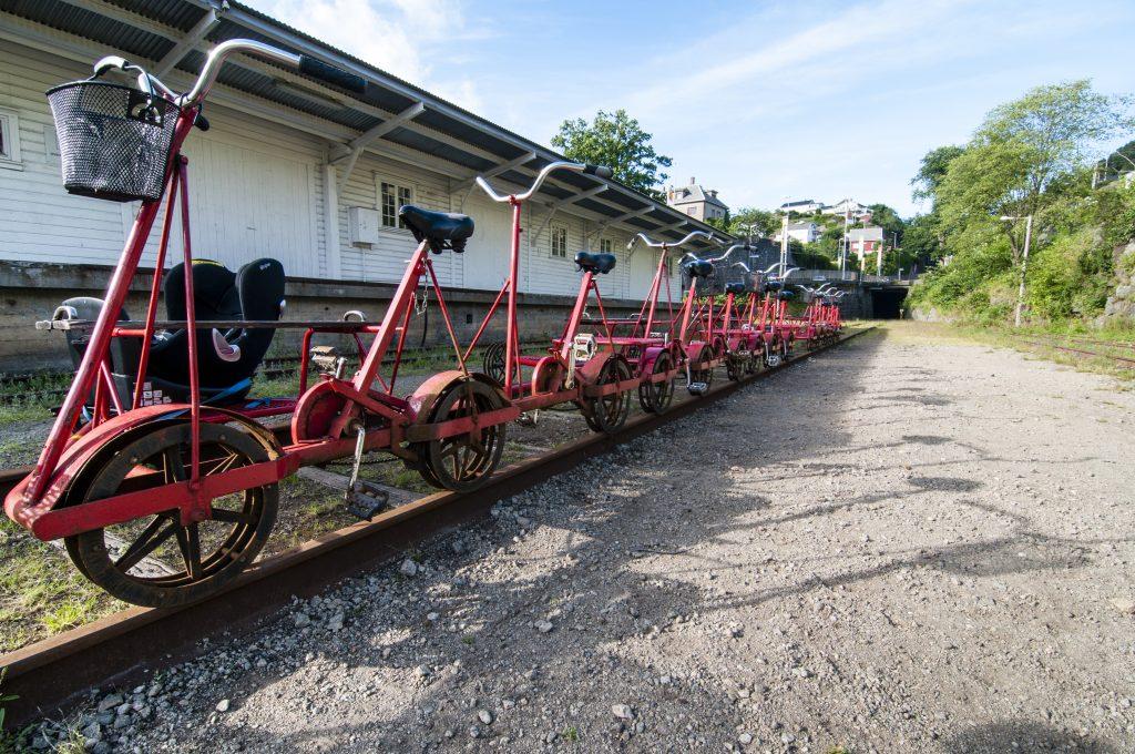 Dresinsykler på Flekkefjord stasjon