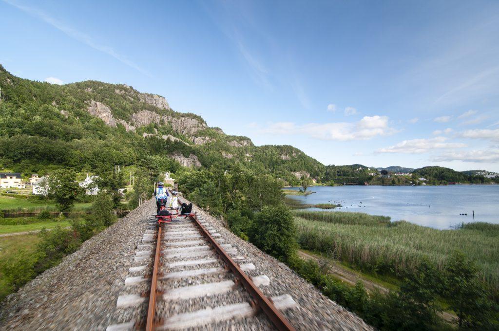 flekkefjord-dresinsykling-flekkefjordbanen-landskap