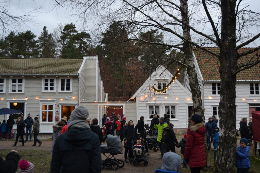 Besøk det årlige julemarkedet på Kristiansand museum. Foto: E. Høibo©Visit Sørlandet