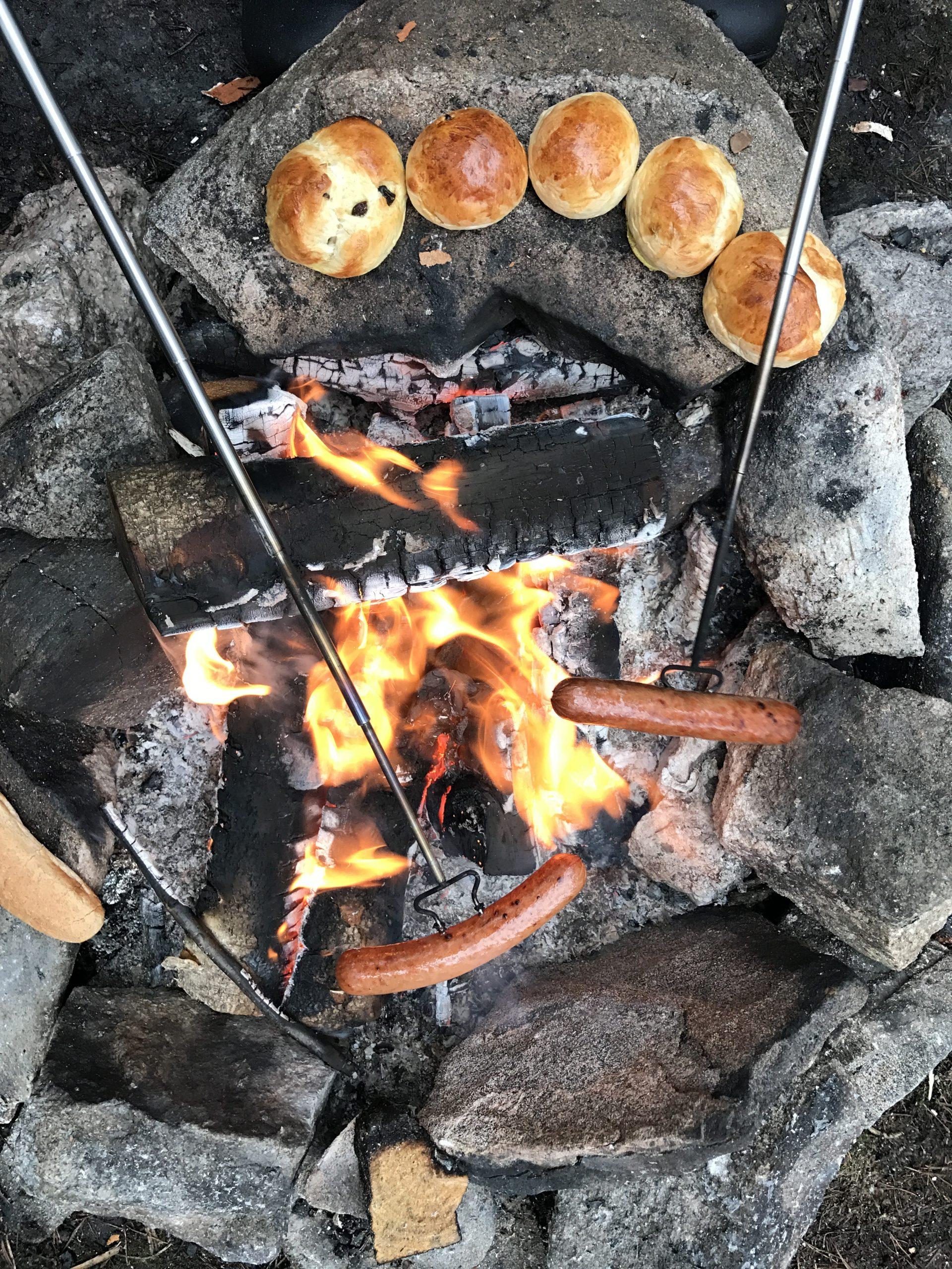 Ingenting er som å lage maten på bålet. Foto: E. Høibo©Visit Sørlandet