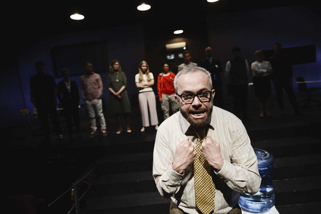 Juryen - 12 edsvorne i Kilden Teater og Konserthus i Kristiansand Foto: Jacob Buchard