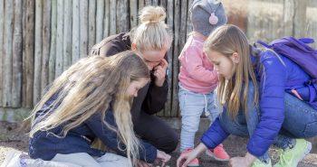 Detektivene får ledetråder til påskekrimen i Dyreparken