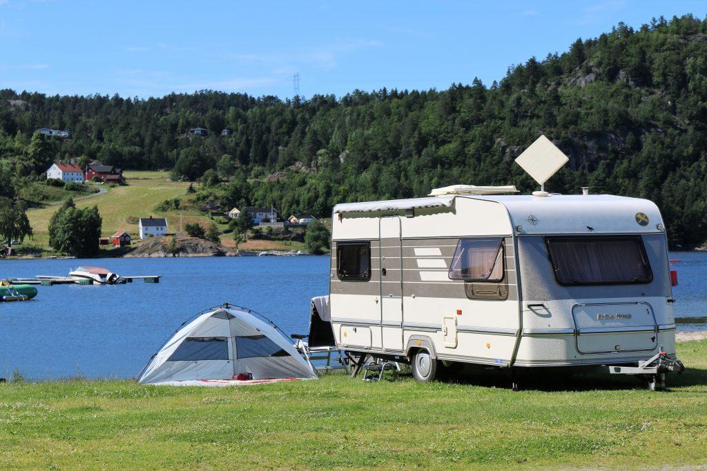 CAMPINGE 2017 red vogn telt bilde Risør Resort IMG_7973