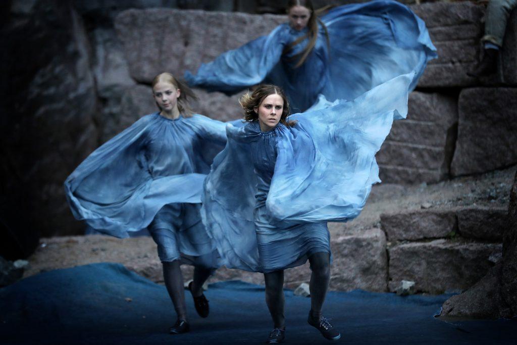 Dansere i Terje Vigen i Fjæreheia