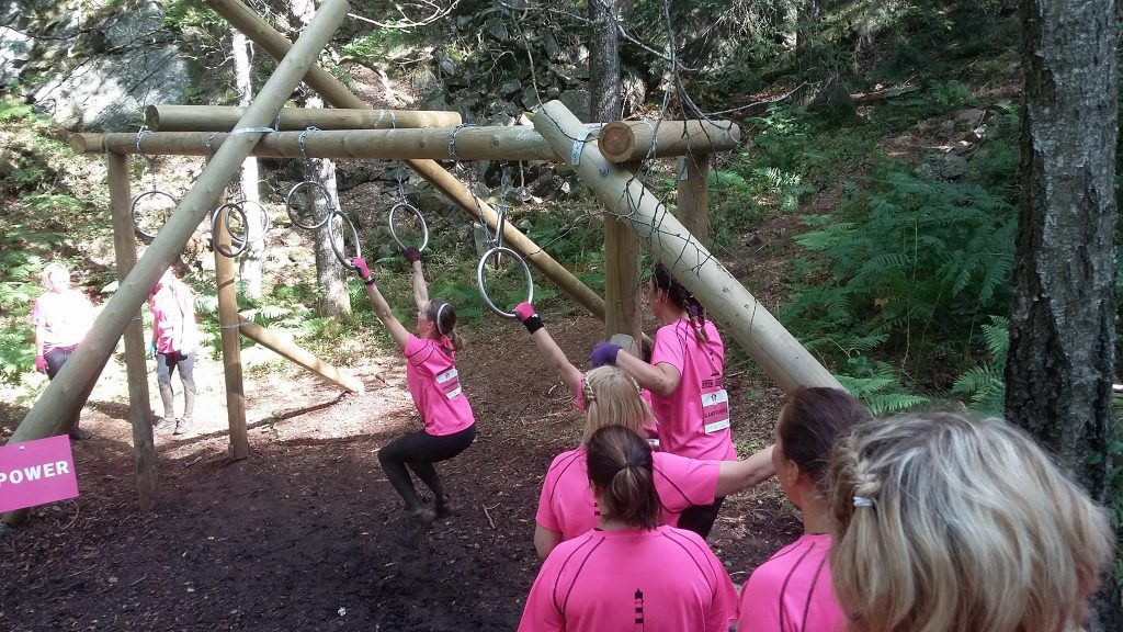 Hinderløp Dirty Girls Mud Run Kristiansand 2017