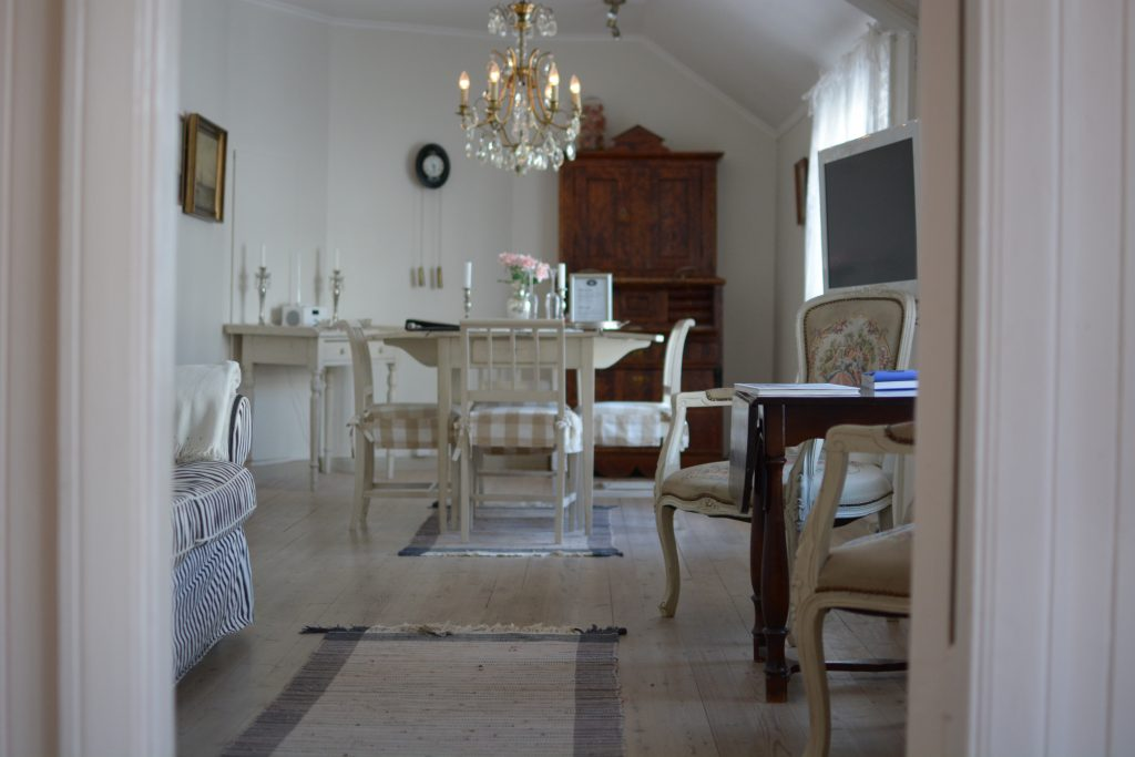 Overnatt i romantiske sjømannssuiter på Det lille hotel i Risør.