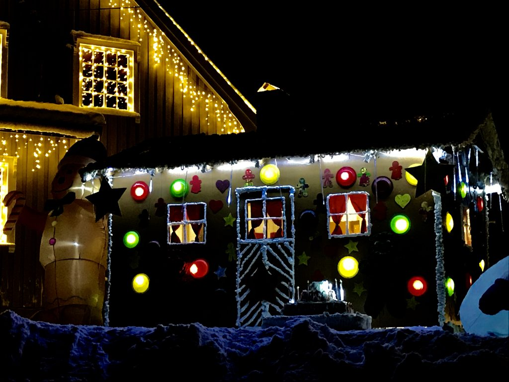 Pepperkakehus på Julekrysset på Hornnes