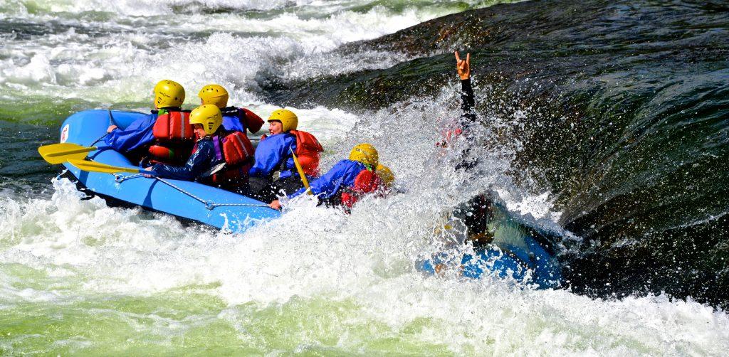 Sommerens kuleste opplevelse? Rafting på TrollAktiv