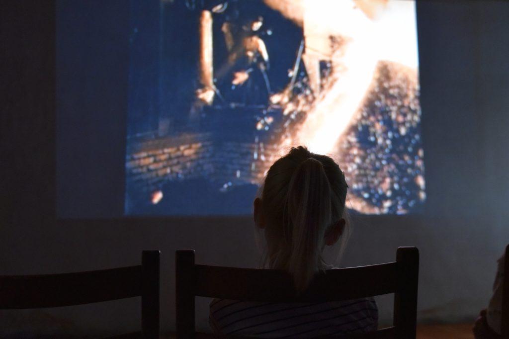 Filmen som ble vist var godt likt av ungene. Foto: Elisabeth Høibo©Visit Sørlandet