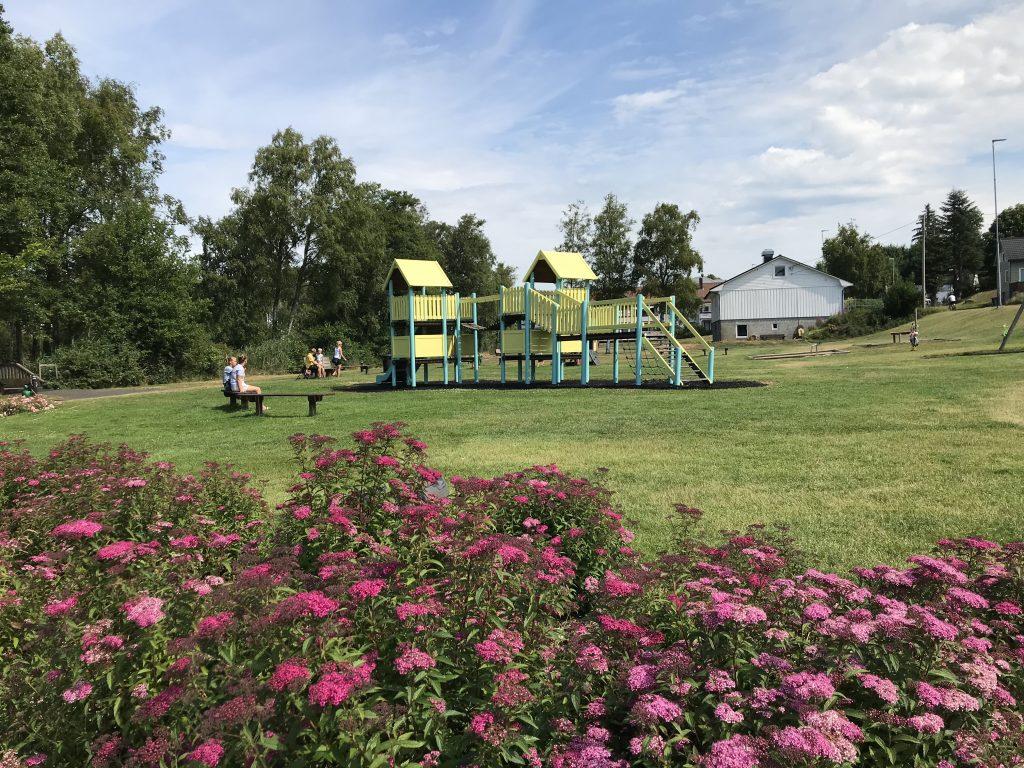 Lekeplass i parken i Vanse