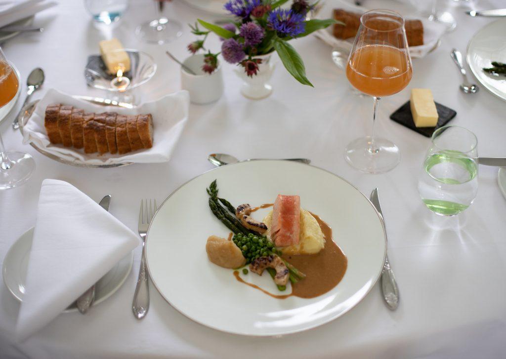 Gastronomiske opplevelser servert på Boen gård Foto Adam Enochsson©Newslab