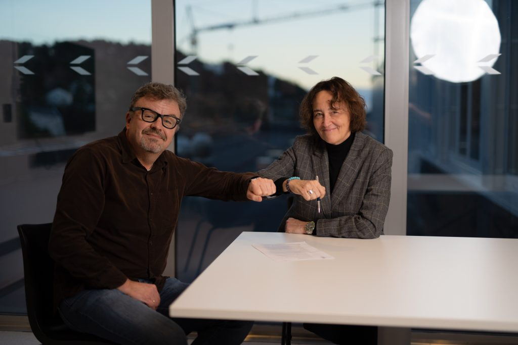Sjefdirigent Nathalie Stutzmann har signert en forlengelse av kontrakten med Kristiansand Symfoniorkester. Foto: Lars Gunnar Liestøl